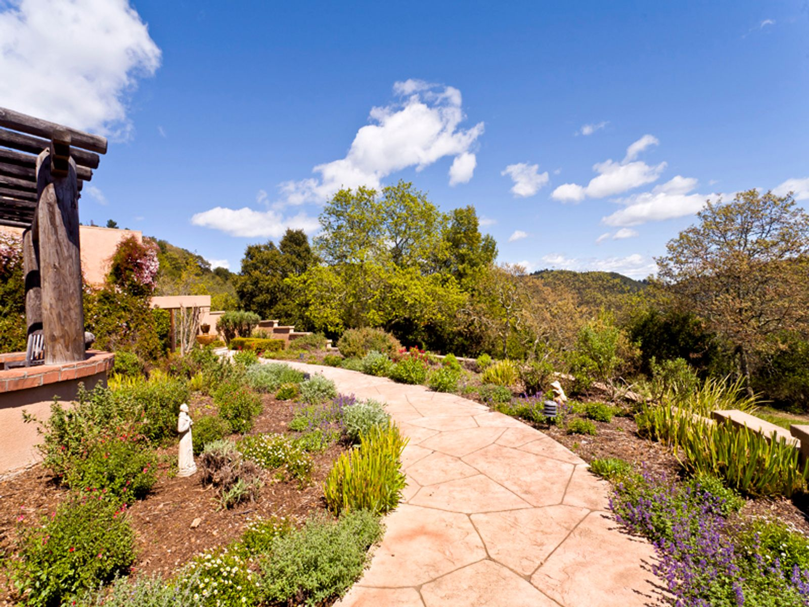 Sophisticated Wine Country Setting, Glen Ellen CA Single Family Home - Sonoma - Napa Real Estate