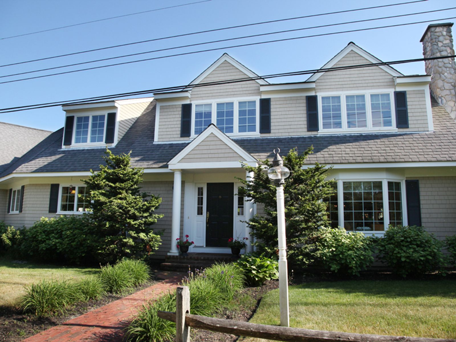 Summer Get-Away, Cummaquid MA Single Family Home - Cape Cod Real Estate