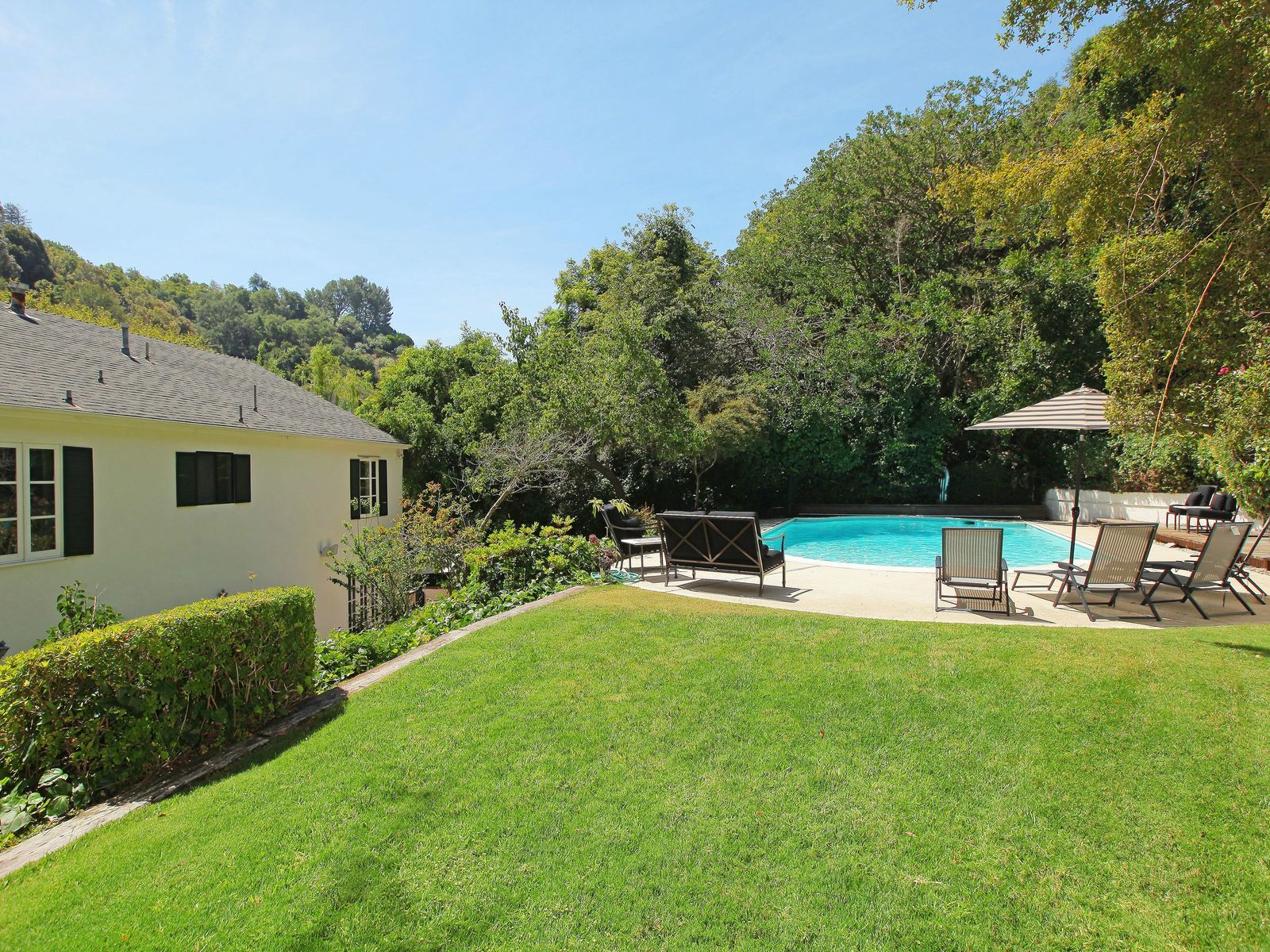 Spectacular Colonial in Lower Bel Air