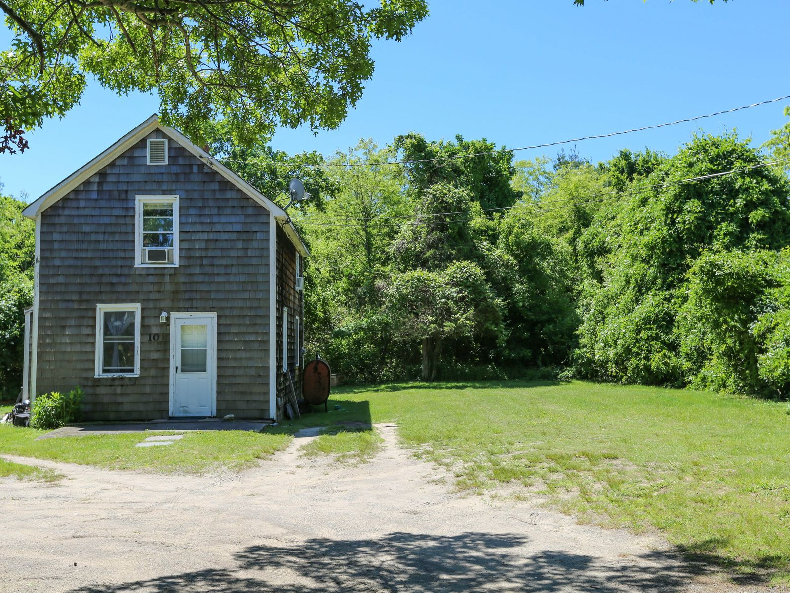 Great Value, East Hampton NY Single Family Home - Hamptons Real Estate