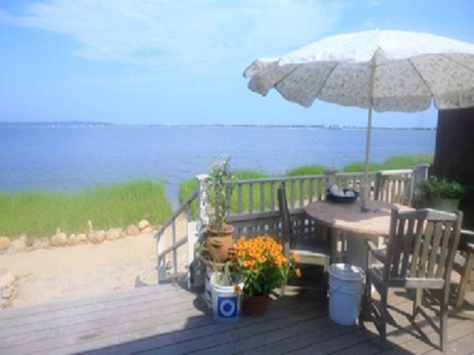 Harbor Front Cottage- Best