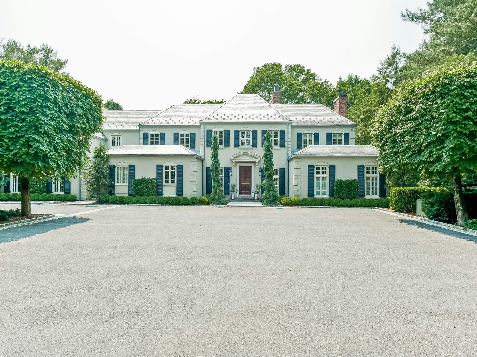 Exquisite on Round Hill, Greenwich CT Single Family Home - Greenwich Real Estate
