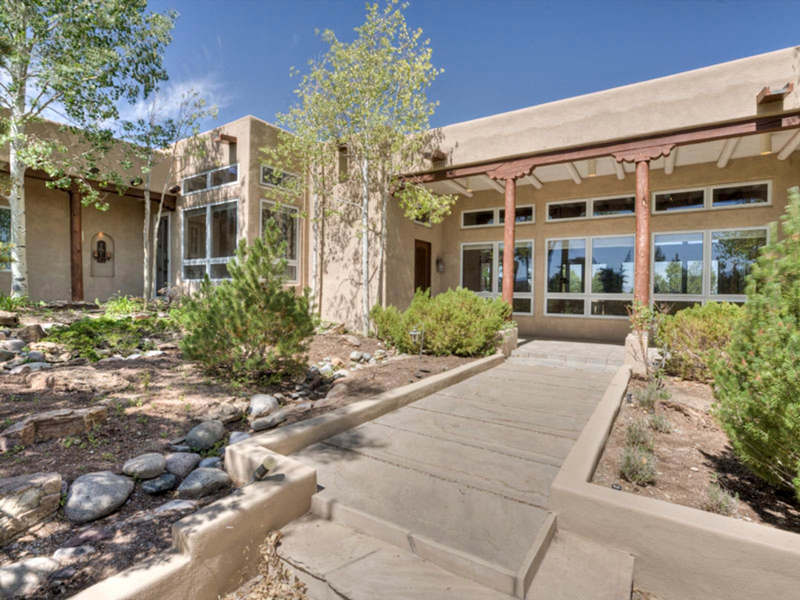 157 Vuelta Maria, Santa Fe NM Single Family Home - Santa Fe Real Estate