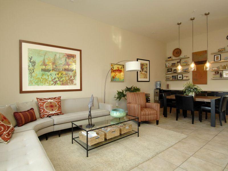 608 Avenida Villa Hermosa # 203