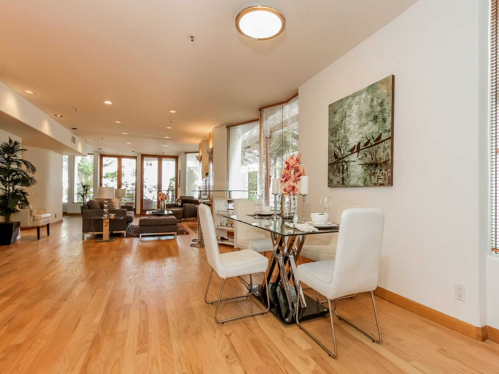 Sleek Condo One Block From Ocean Avenue, Santa Monica CA Condominium - Los Angeles Real Estate