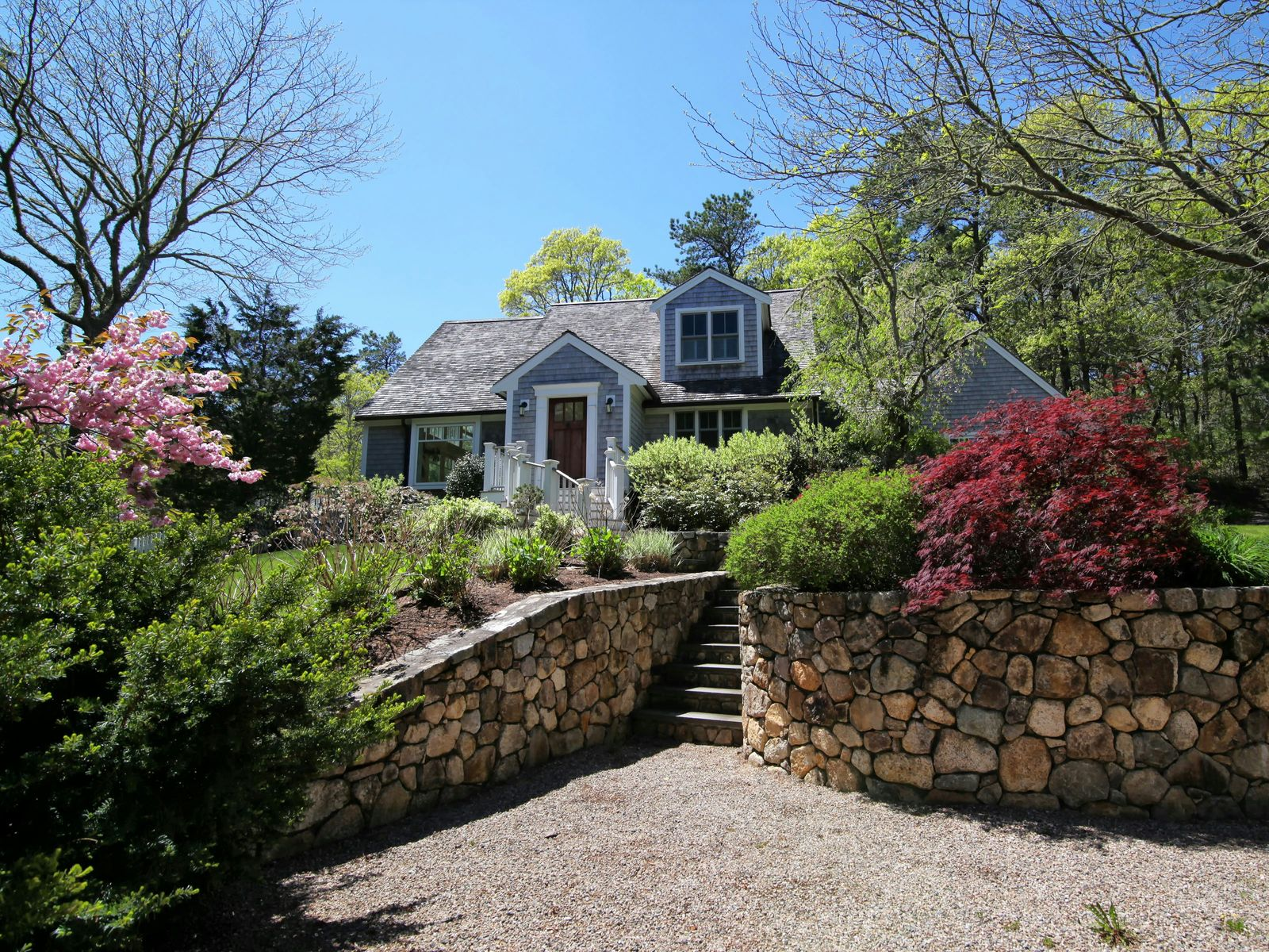 Views, Privacy, Pond, Osterville MA Single Family Home - Cape Cod Real Estate