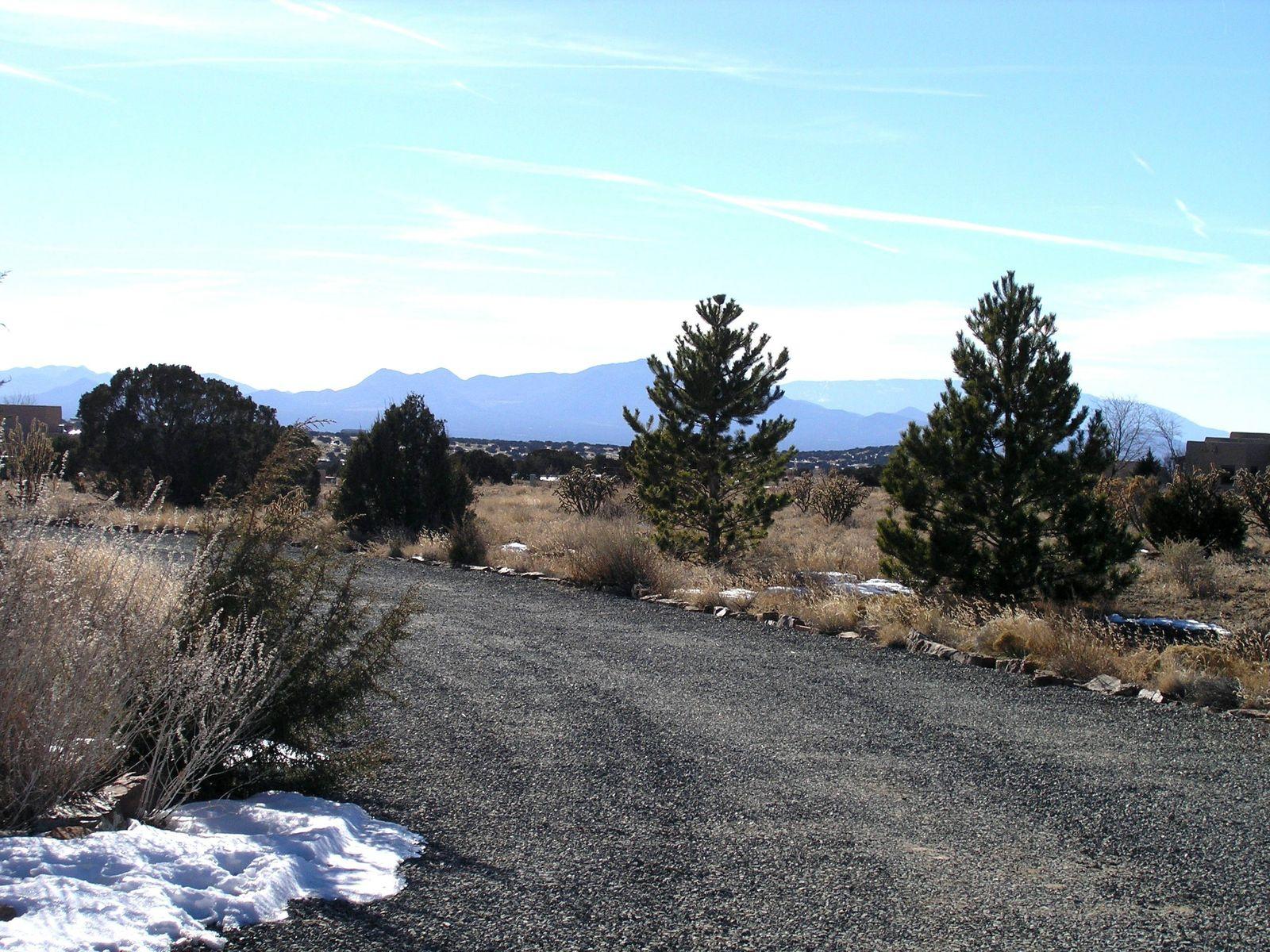 21 Camino Loma Seco
