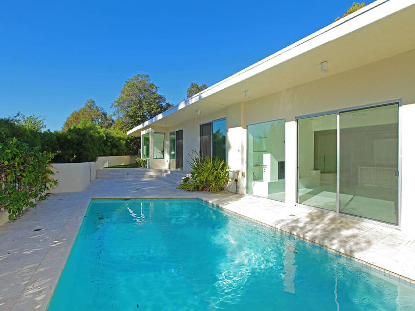 9465 Hidden Valley Place, Beverly Hills CA Single Family Home - Los Angeles Real Estate