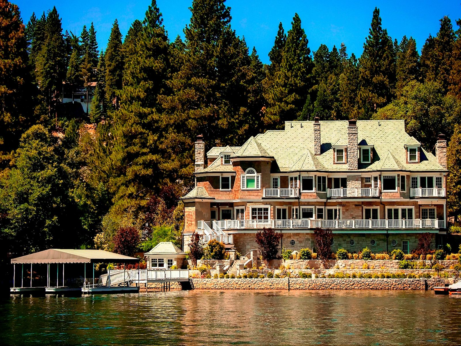 Lake Arrowhead Trophy Estate, Lake Arrowhead CA Single Family Home - Los Angeles Real Estate