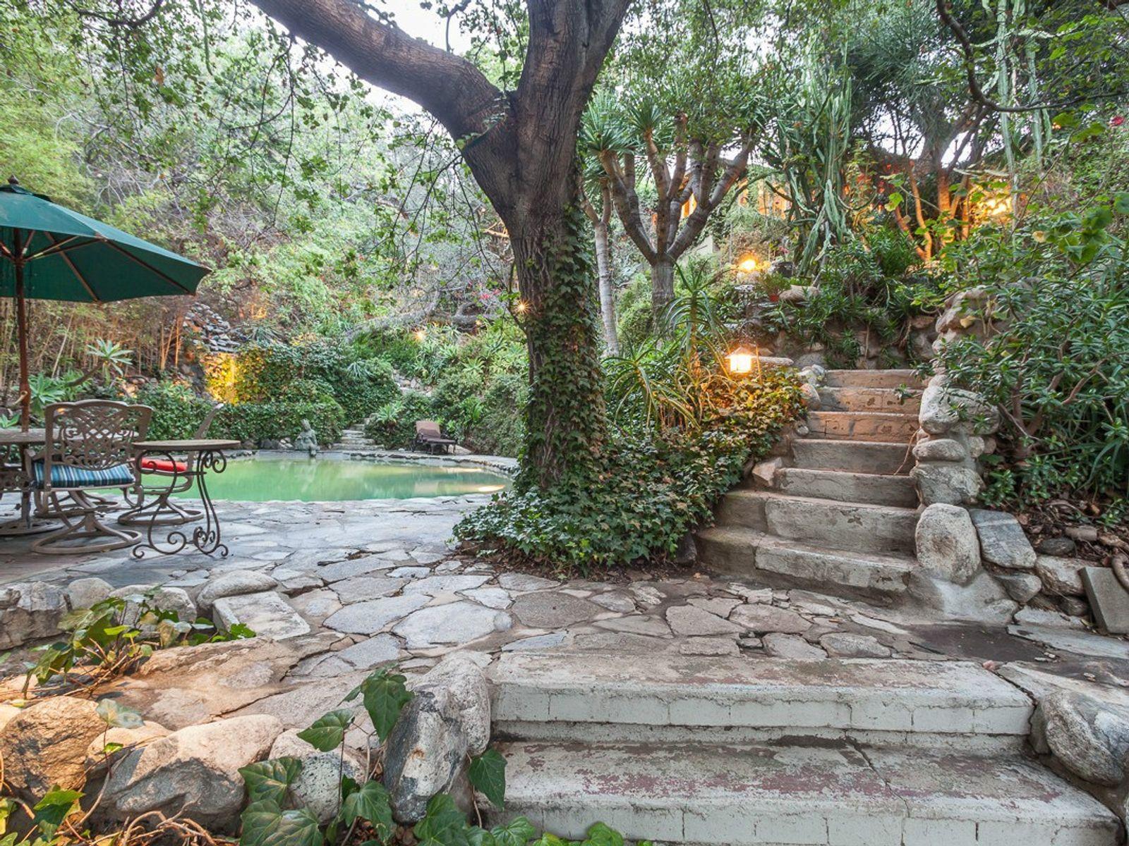 Private Paradise in Linda Vista