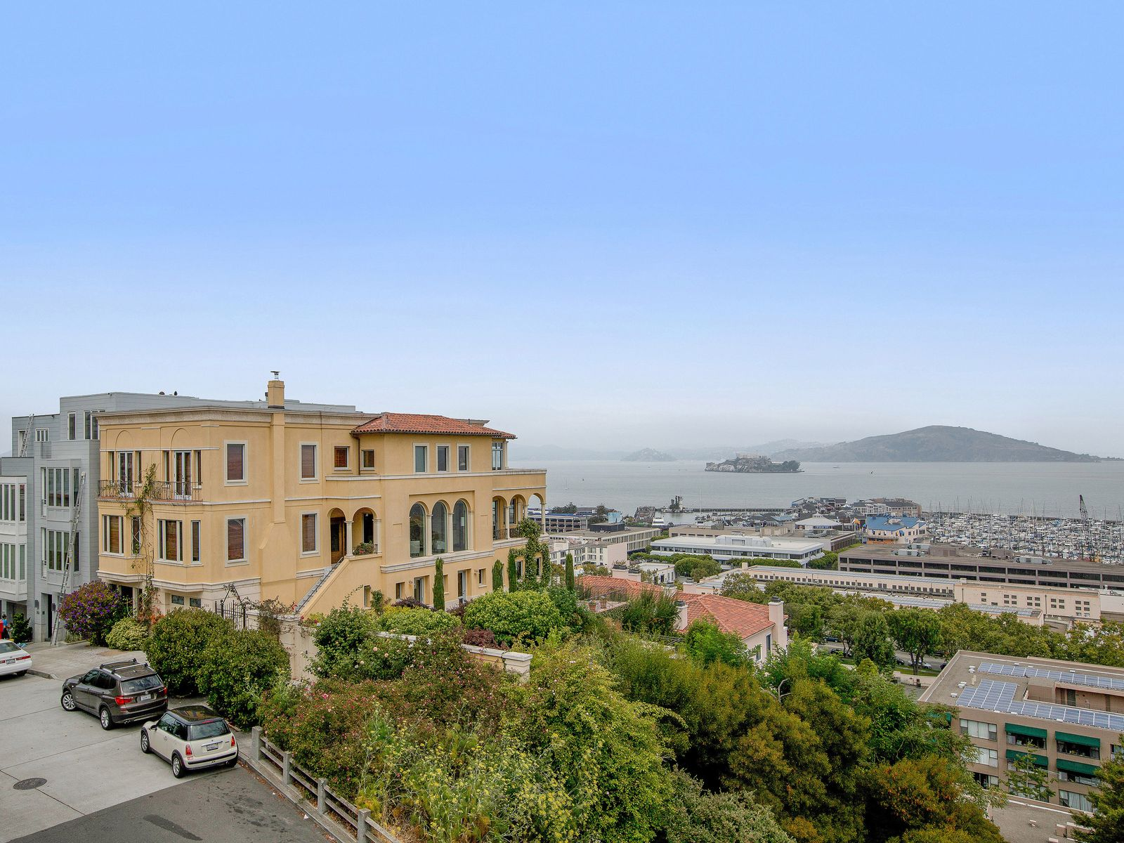 First Time Offered on Telegraph Hill