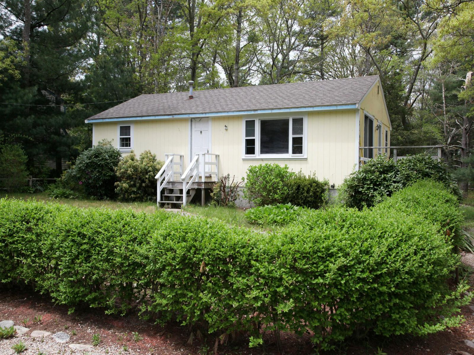 Close to Sandy Beach on Jenkins Pond, Falmouth MA Single Family Home - Cape Cod Real Estate