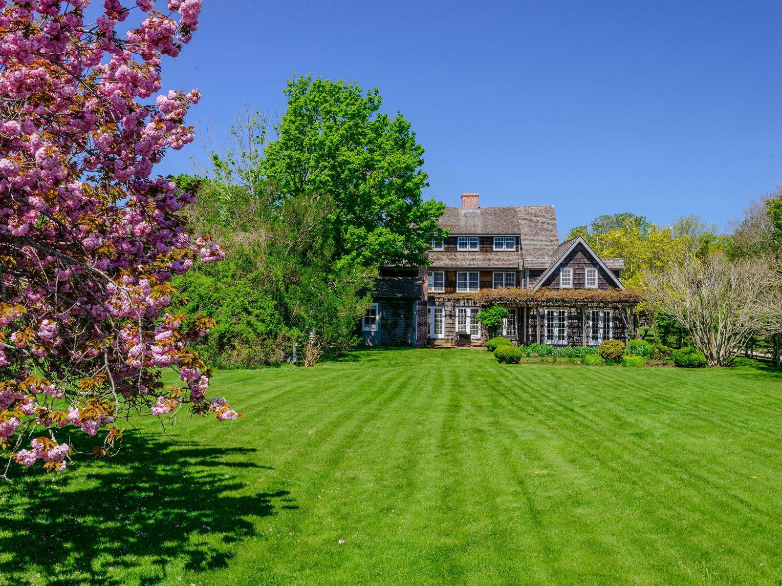 Historic Matthew Topping Estate
