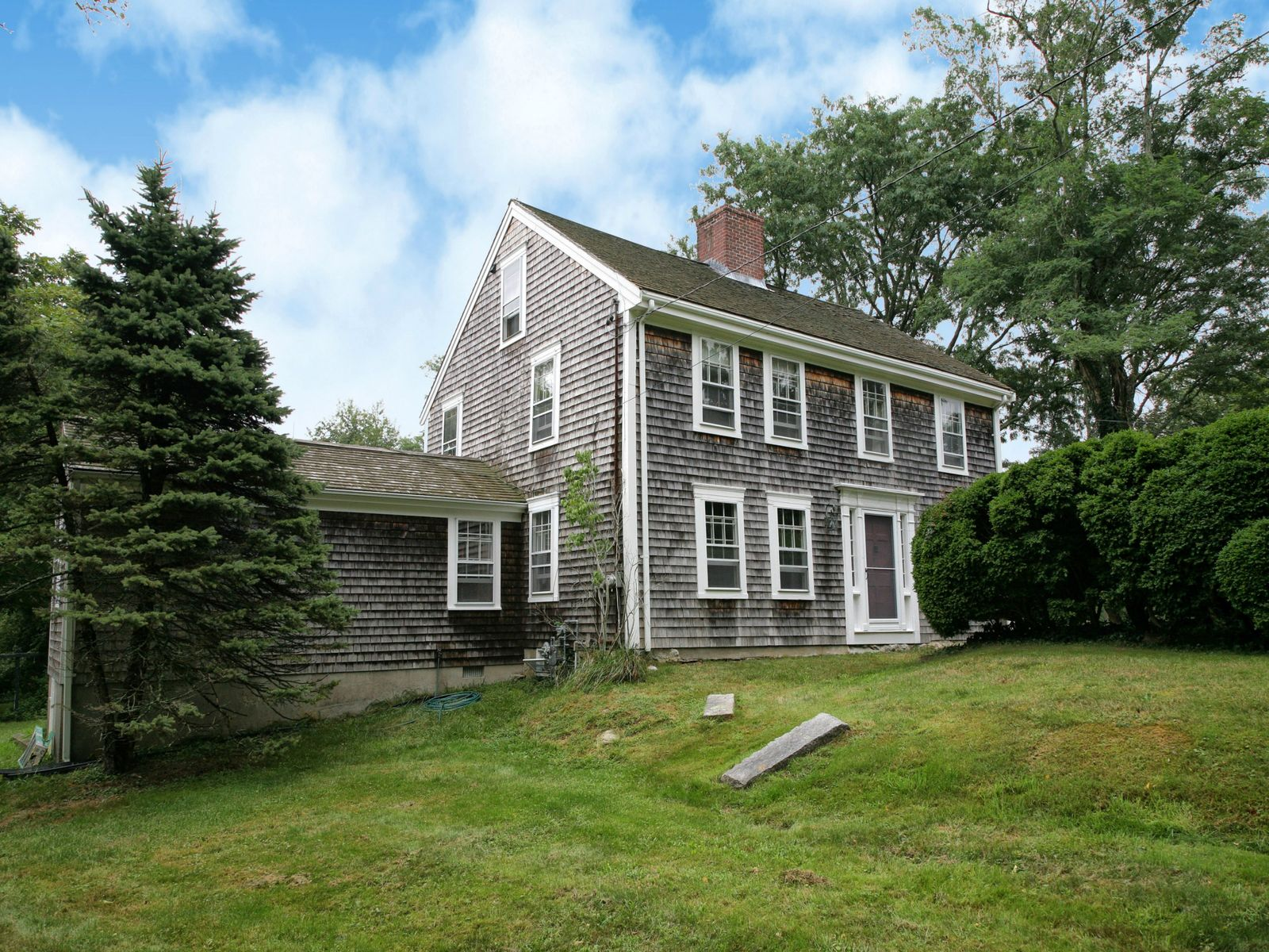 Charming Country Antique, West Barnstable MA Single Family Home - Cape Cod Real Estate