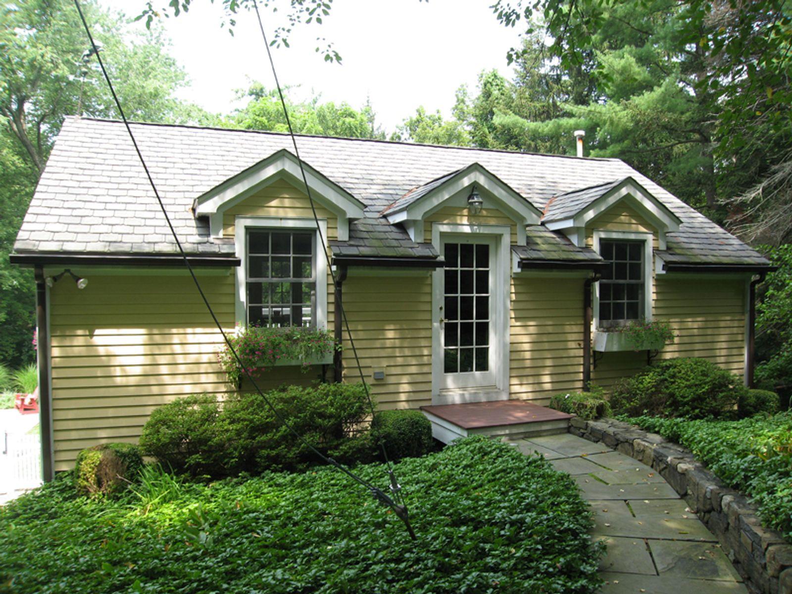 Hillcrest Park Retreat