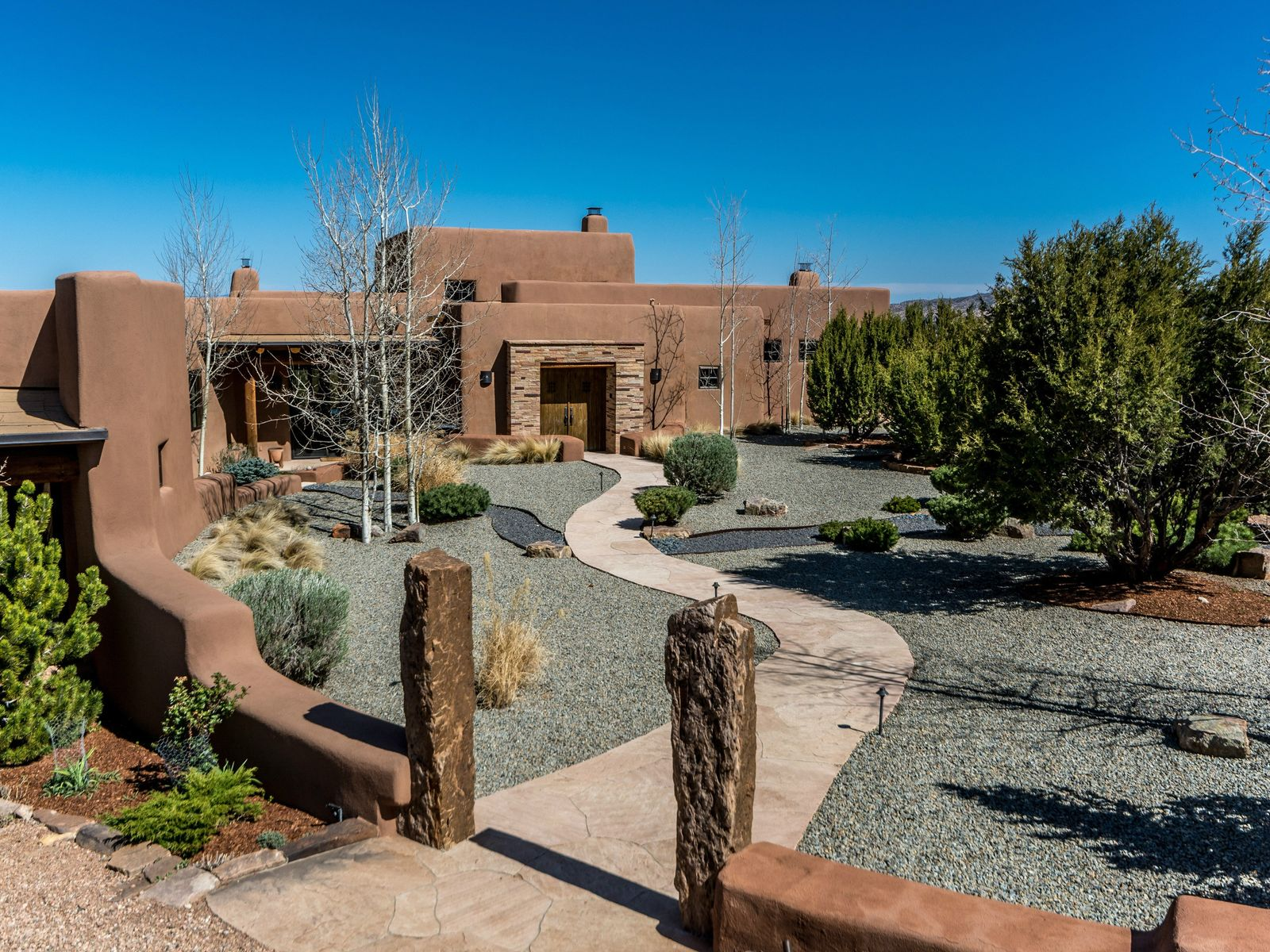 23 Vista Redonda, Santa Fe NM Single Family Home - Santa Fe Real Estate