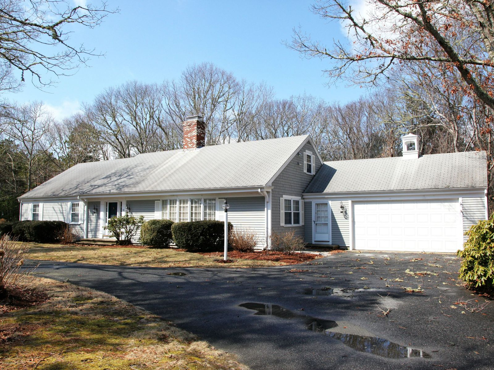 Classic Cape Style Ranch Osterville Ma Single Family Home