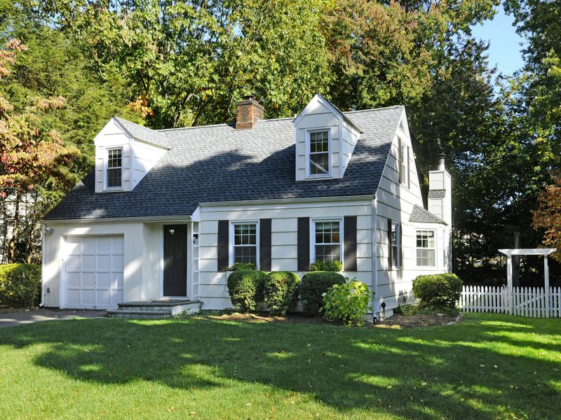Charming Renovated Cape