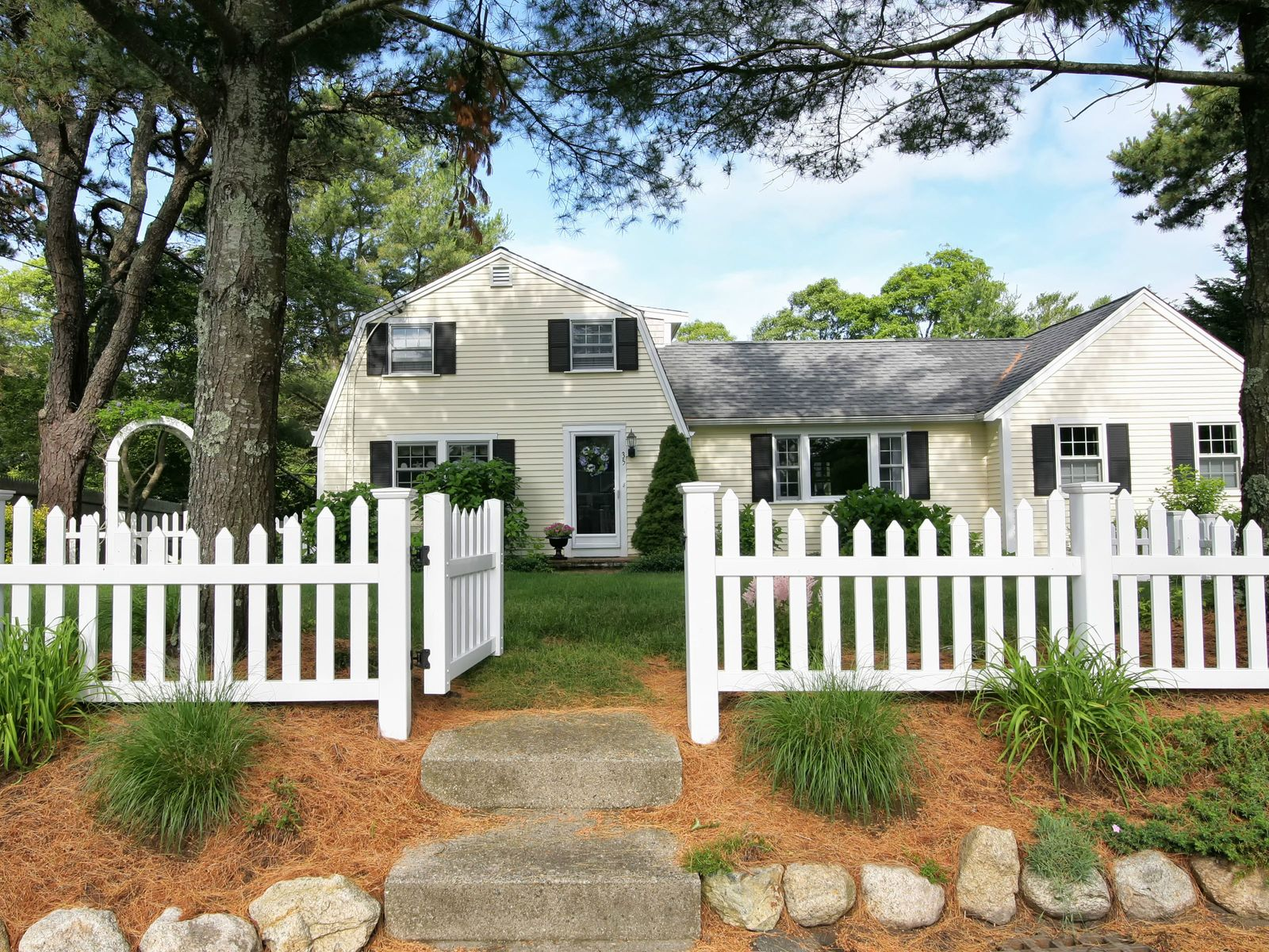 Cape Cod Living, Centerville MA Single Family Home - Cape Cod Real Estate
