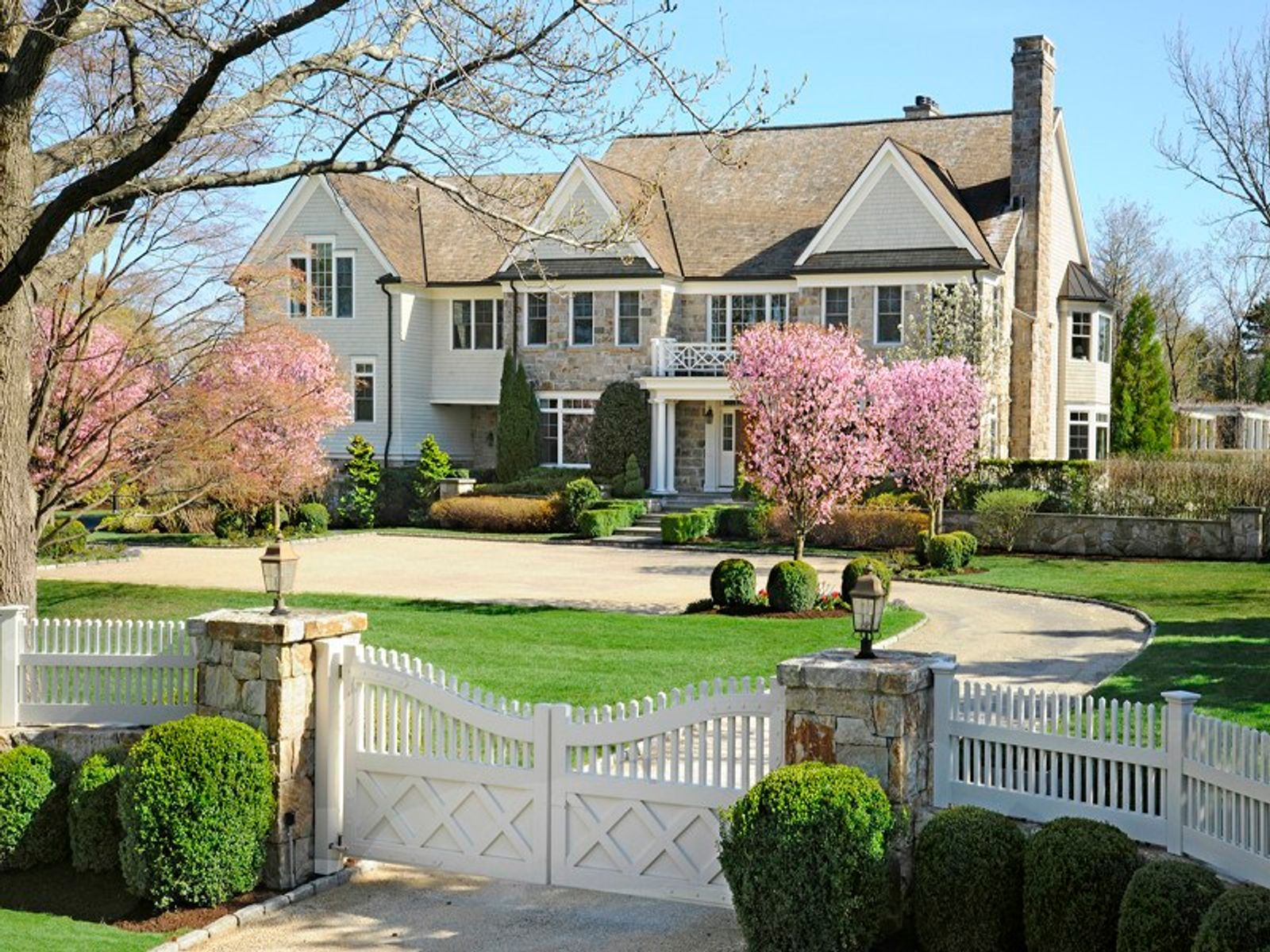 The Perfect House, Greenwich CT Single Family Home - Greenwich Real Estate