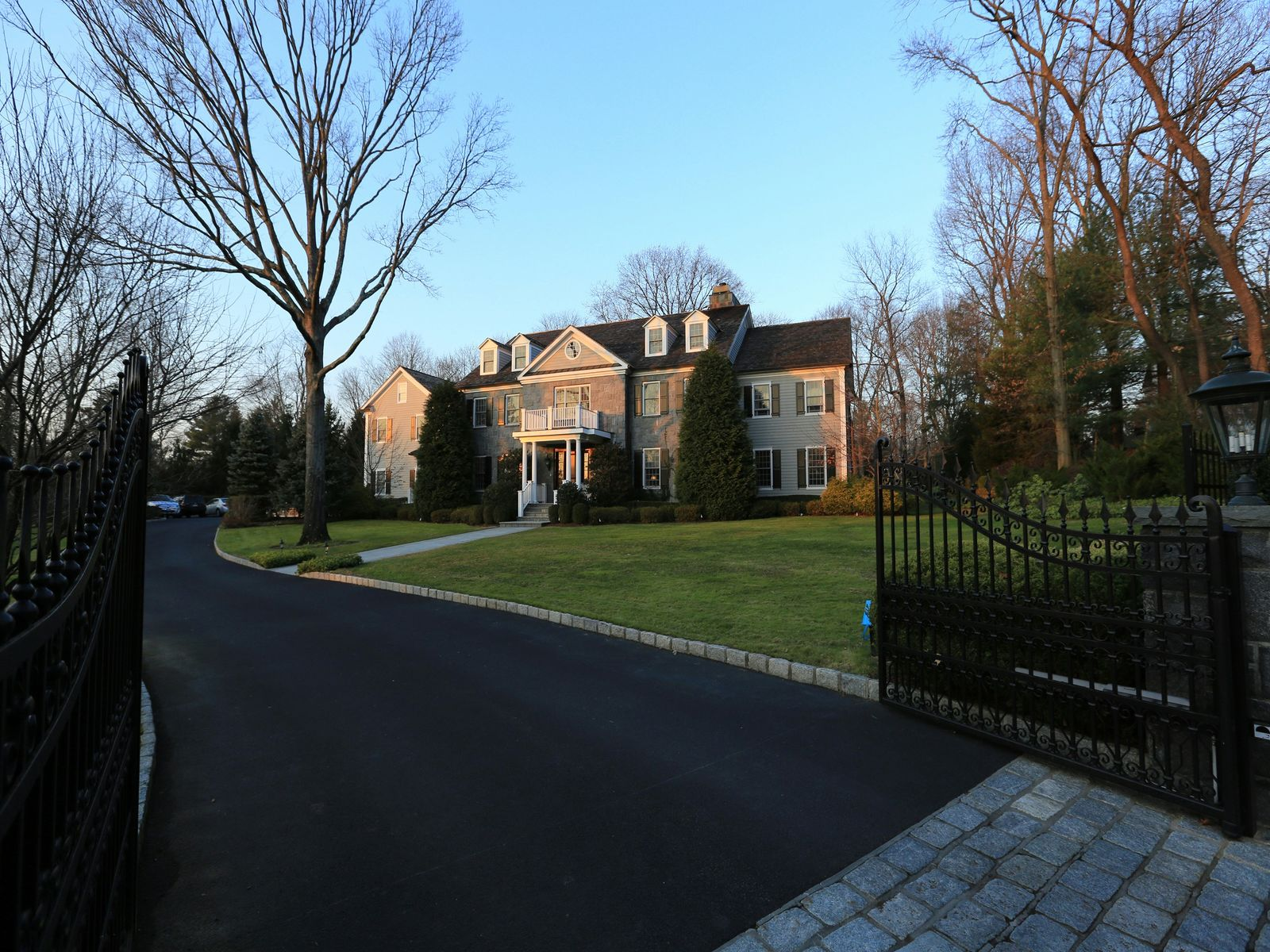 Mid-Country Splendor, Greenwich CT Single Family Home - Greenwich Real Estate