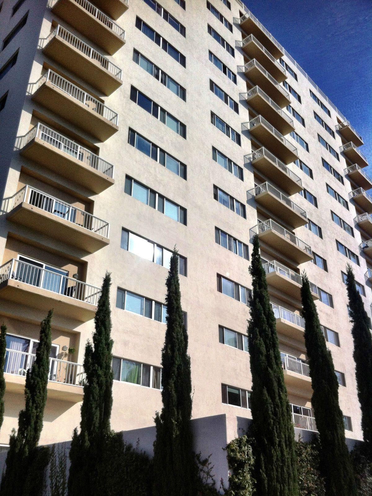 101 California Avenue Unit 907