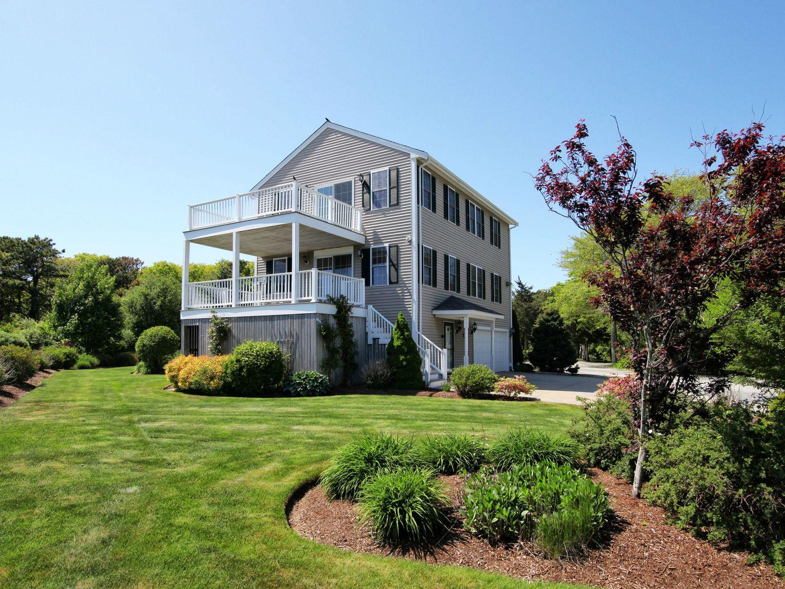 Luxury Freestanding Condo, Ocean Views