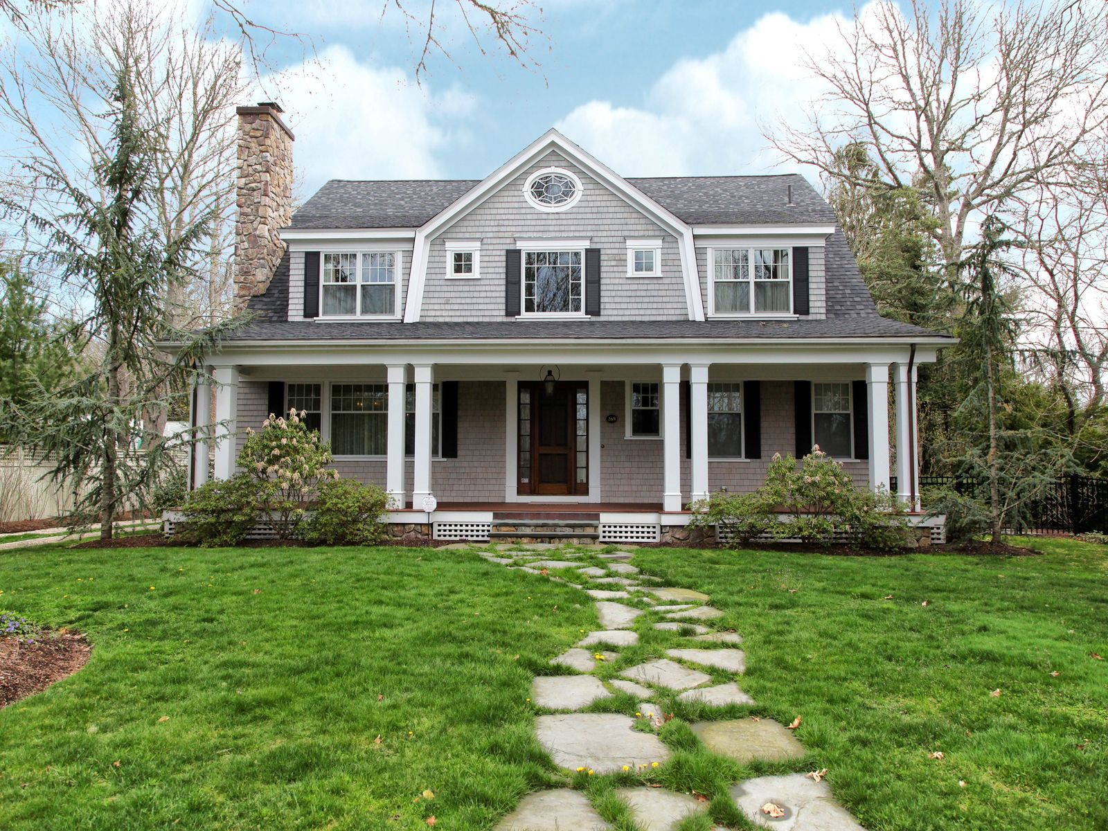 Magnificent Cape-Style Home, Osterville MA Single Family Home - Cape Cod Real Estate