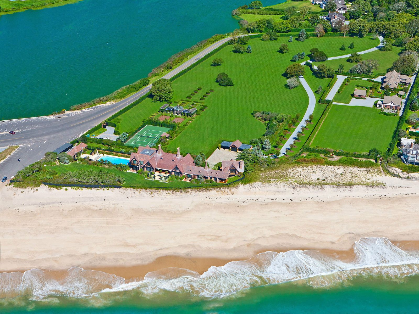 Wooldon Manor on Gin Lane, Southampton NY Single Family Home - Hamptons Real Estate