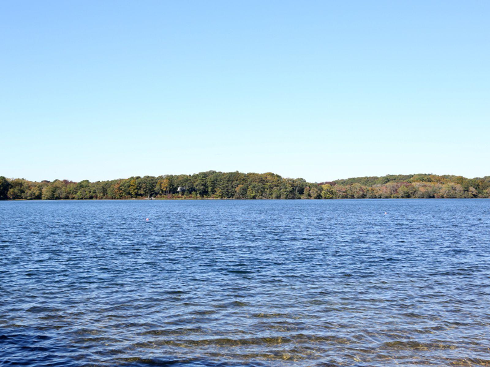 Waterfront Retreat on Hamblin's Pond
