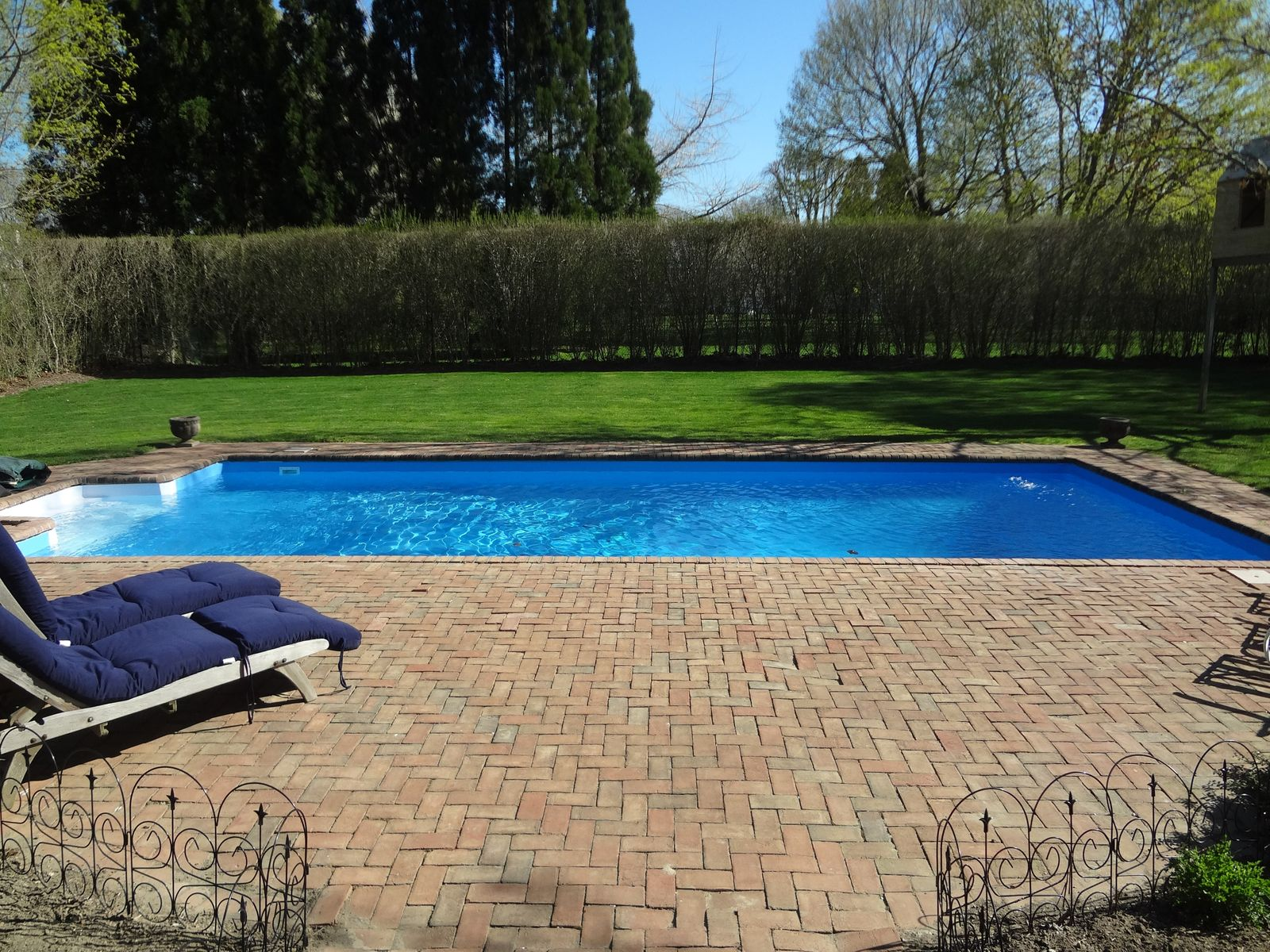 South of HWY with Private Pool, Southampton NY Single Family Home - Hamptons Real Estate