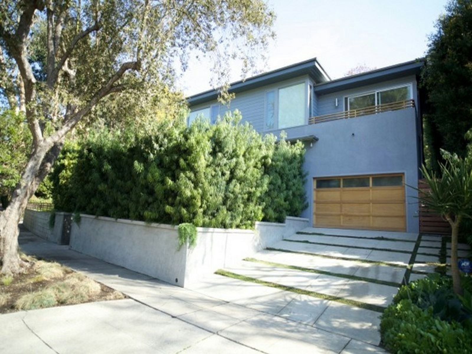 Luxury Summer Retreat, Santa Monica CA Single Family Home - Los Angeles Real Estate
