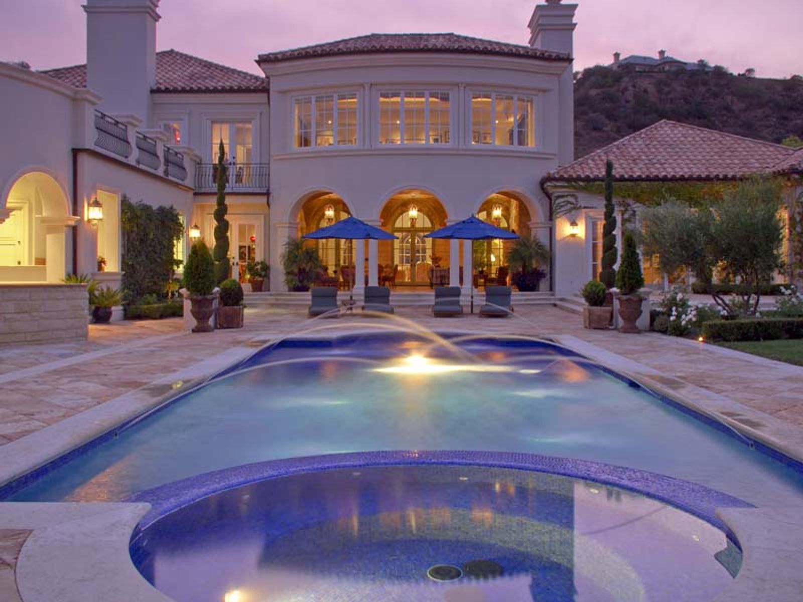 Old World European-style Estate, Thousand Oaks CA Single Family Home - Ventura Real Estate