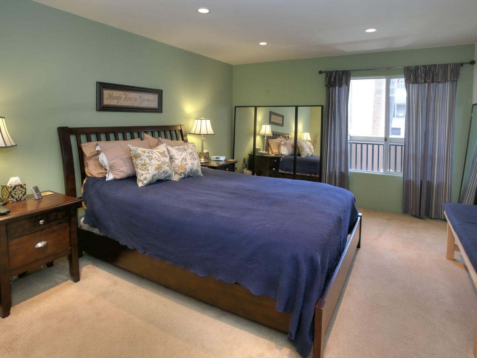 East Beach 2 Bedroom 2 Bath Condo