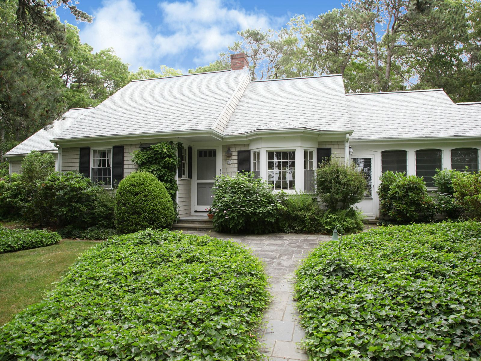 Wianno Private Setting, Osterville MA Single Family Home - Cape Cod Real Estate