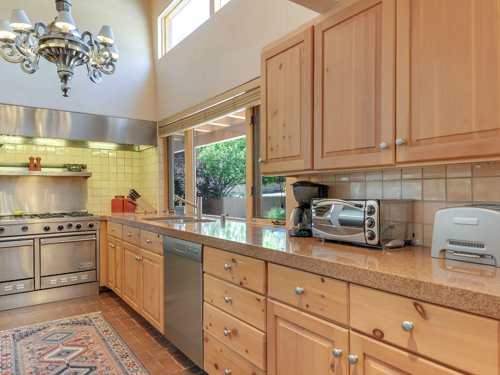 Kitchen, partial