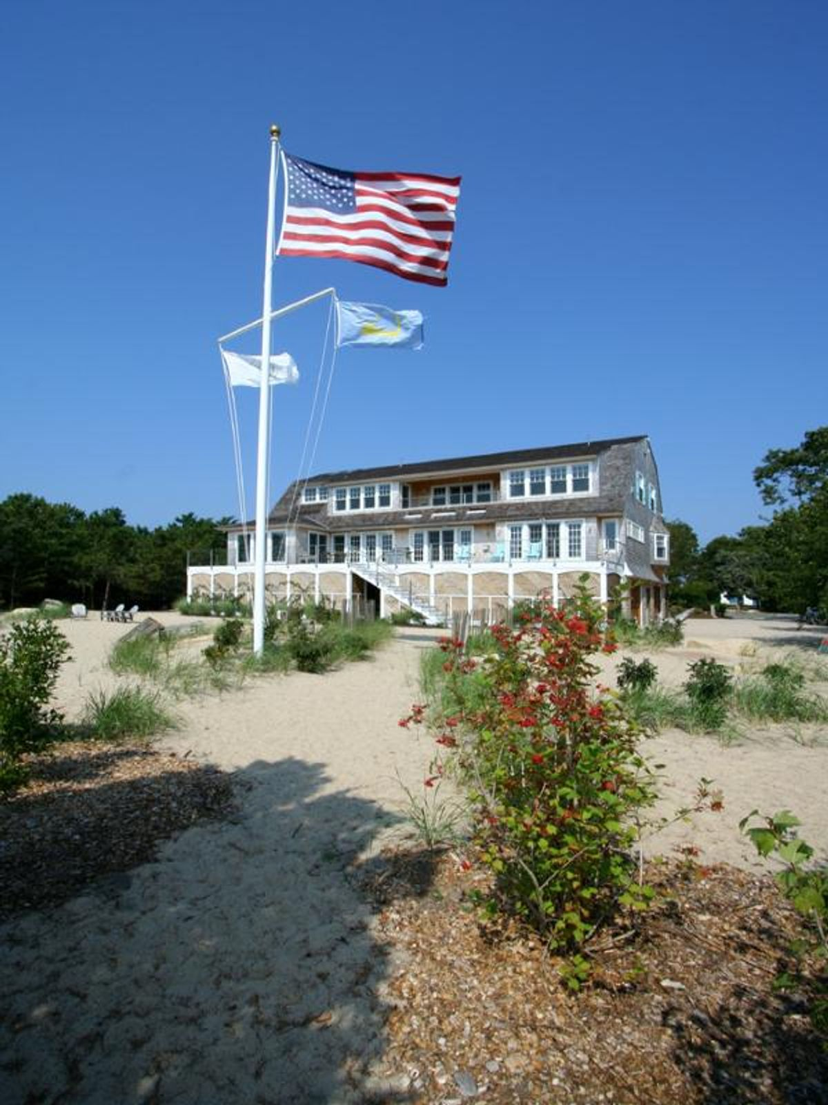 Stylish Cape Cod Living