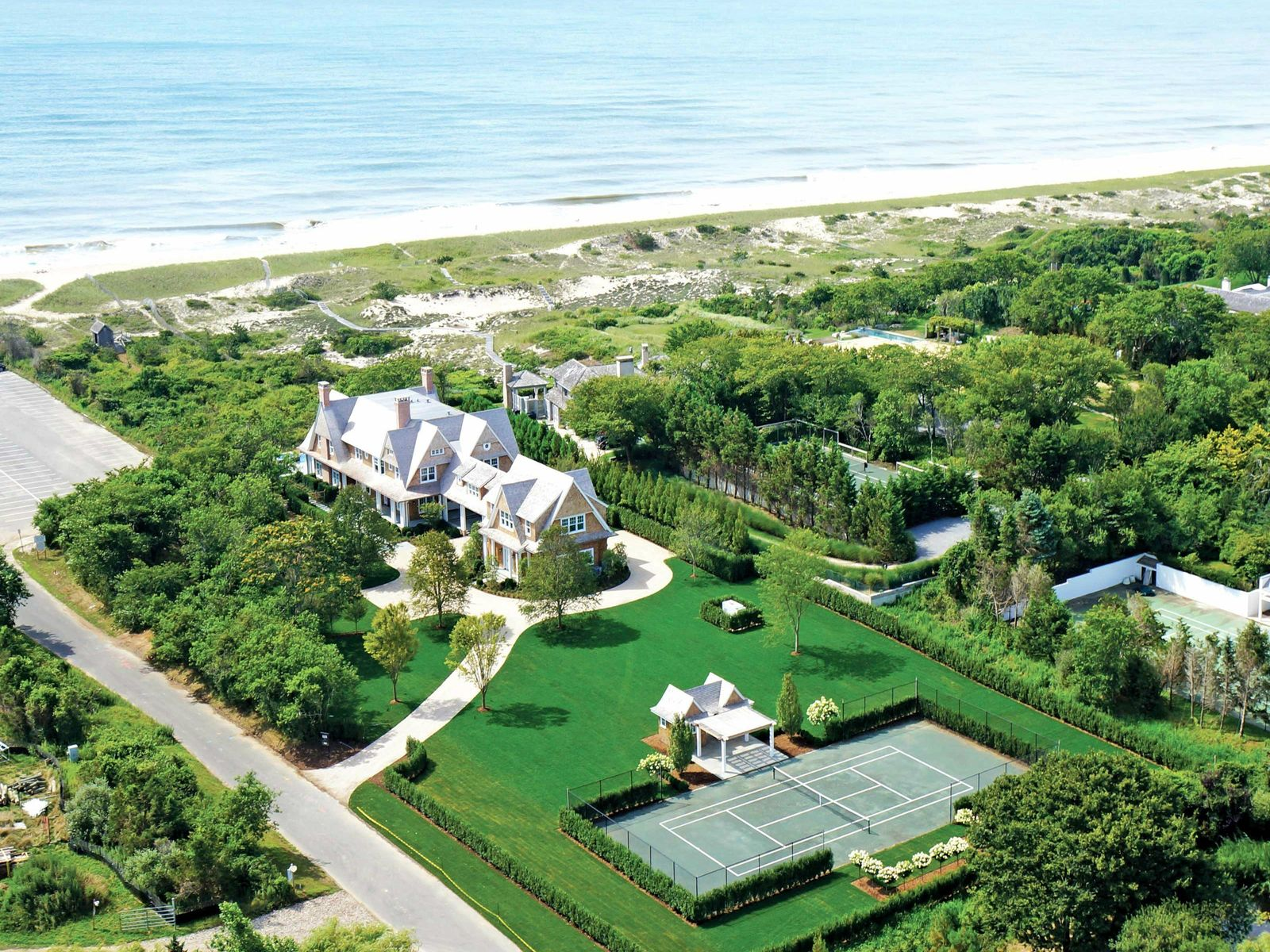 East Hampton Oceanfront, Pool and Tennis, East Hampton NY Single Family Home - Hamptons Real Estate