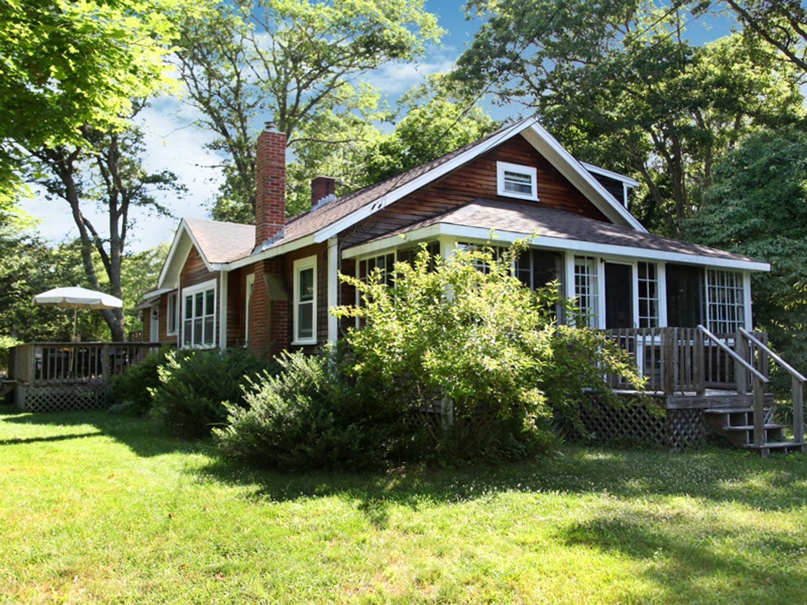 Charming Antique Bungalow, Marstons Mills MA Single Family Home - Cape Cod Real Estate