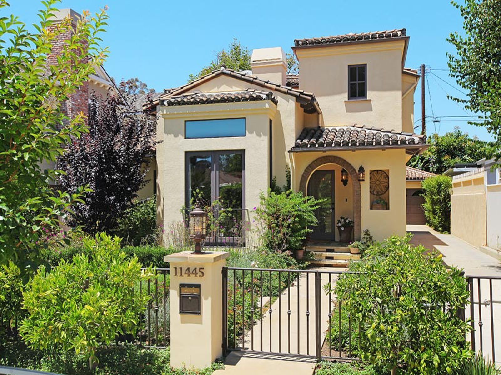 Exquisite 2 story mediterranean home los angeles ca for California los angeles houses