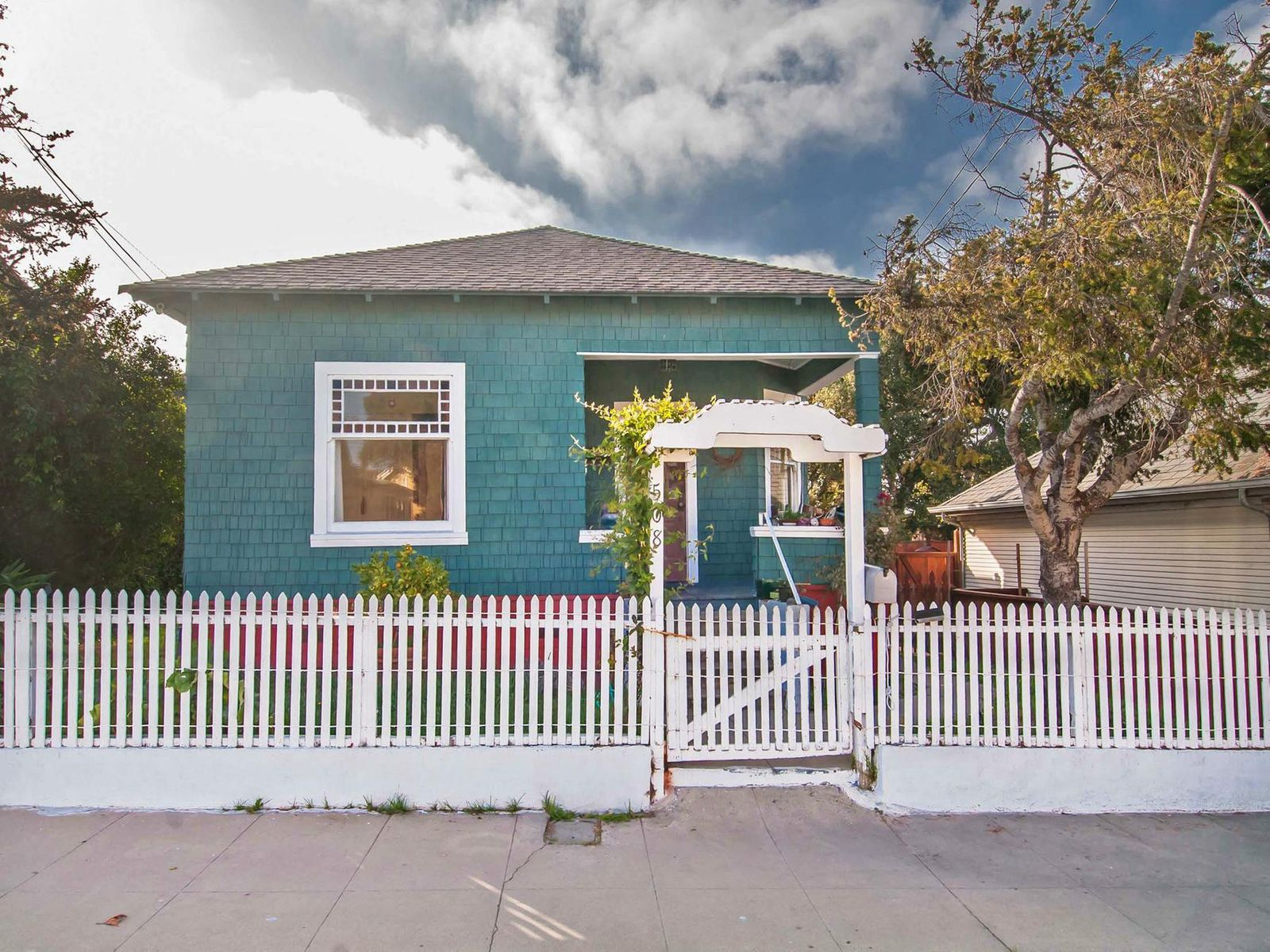 Pacific Grove Adorable Cottage, Pacific Grove CA Single Family Home - Monterey Real Estate