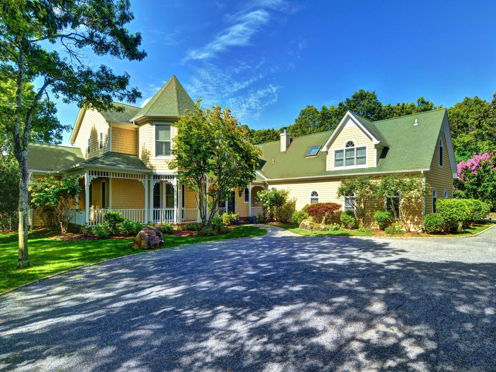 Special Retreat with Pool and Tennis, East Hampton NY Single Family Home - Hamptons Real Estate