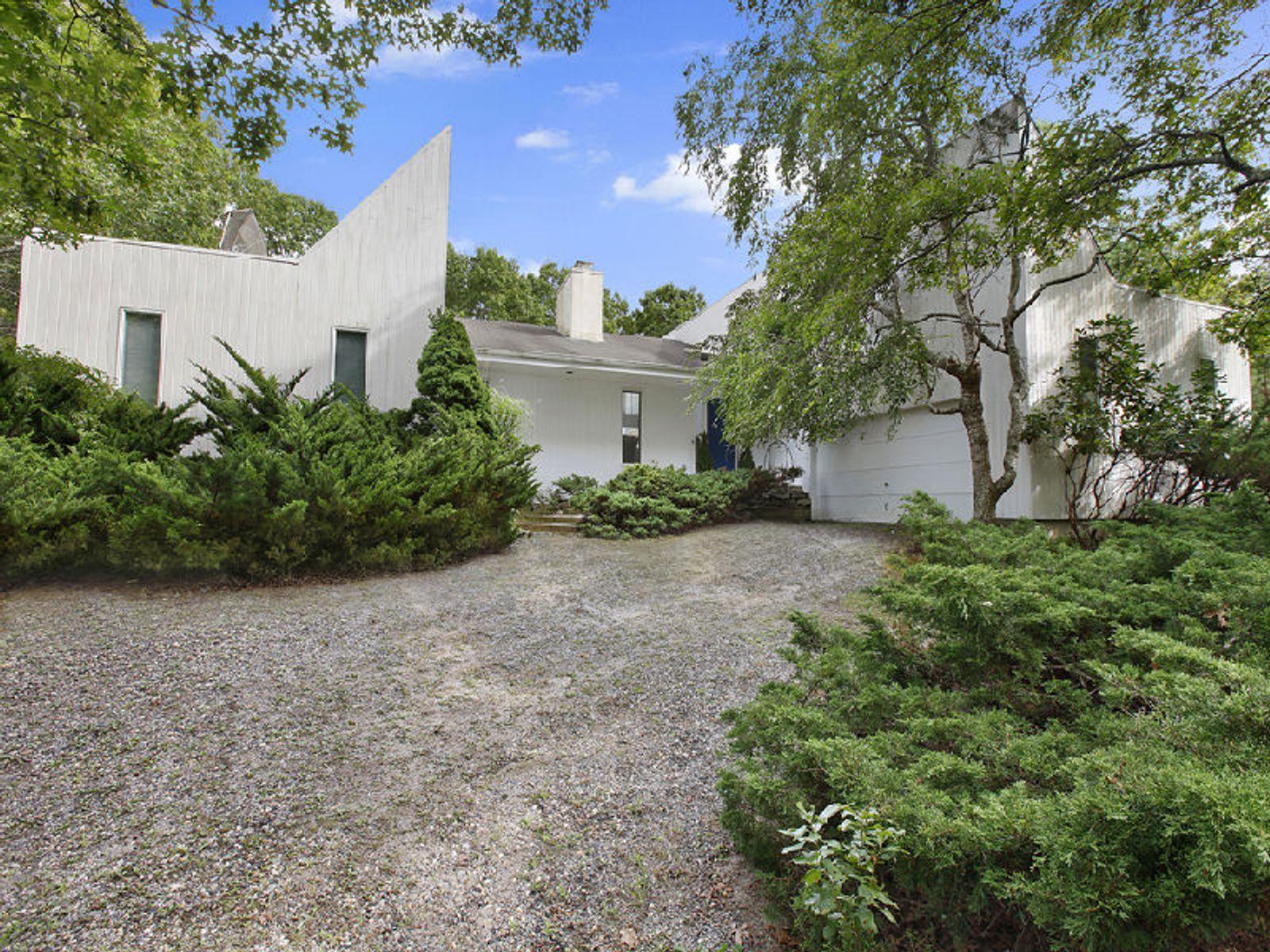 Light Filled Contemporary, Tennis, East Hampton NY Single Family Home - Hamptons Real Estate