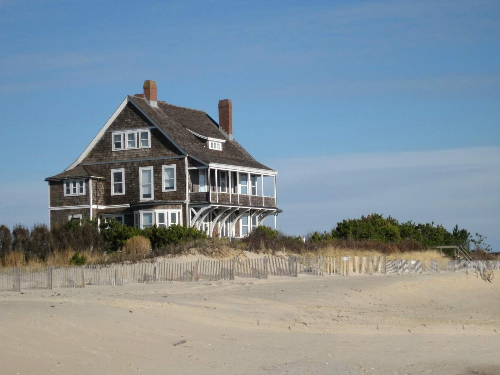 Georgica Association Waterfront, Wainscott NY Single Family Home - Hamptons Real Estate
