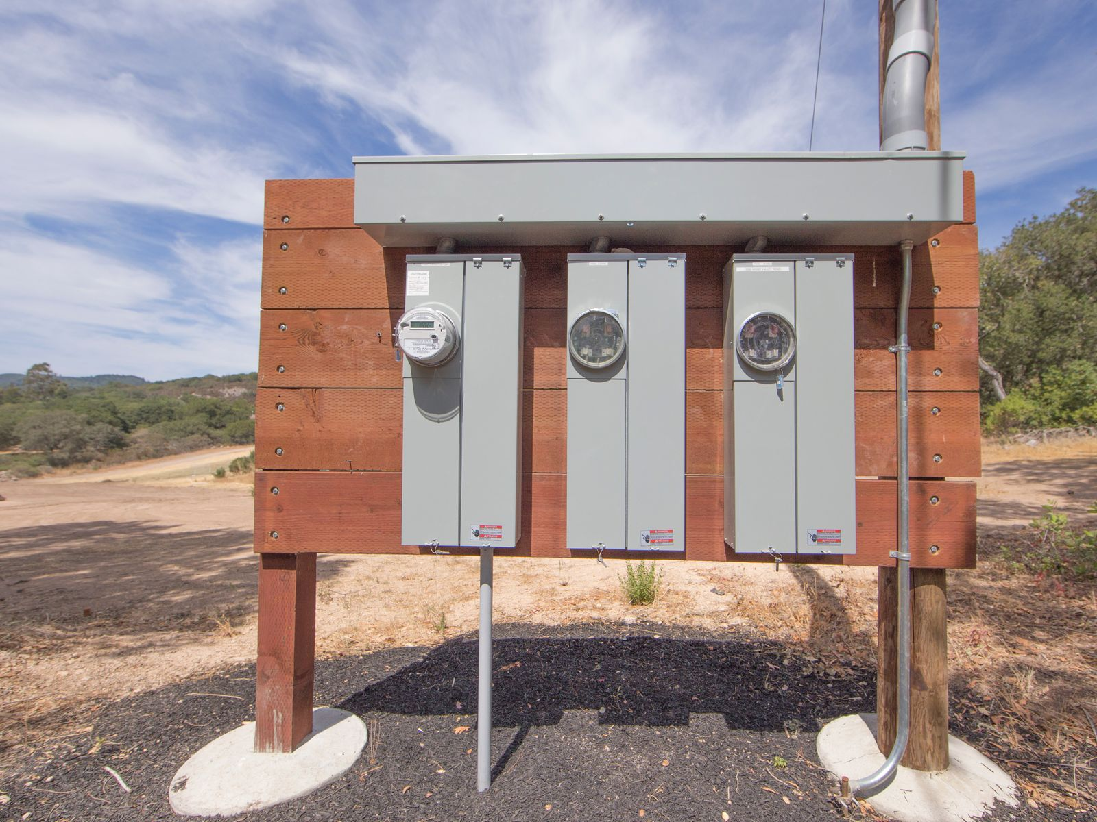 400 AMP power on site expandable to 600 AMPS.