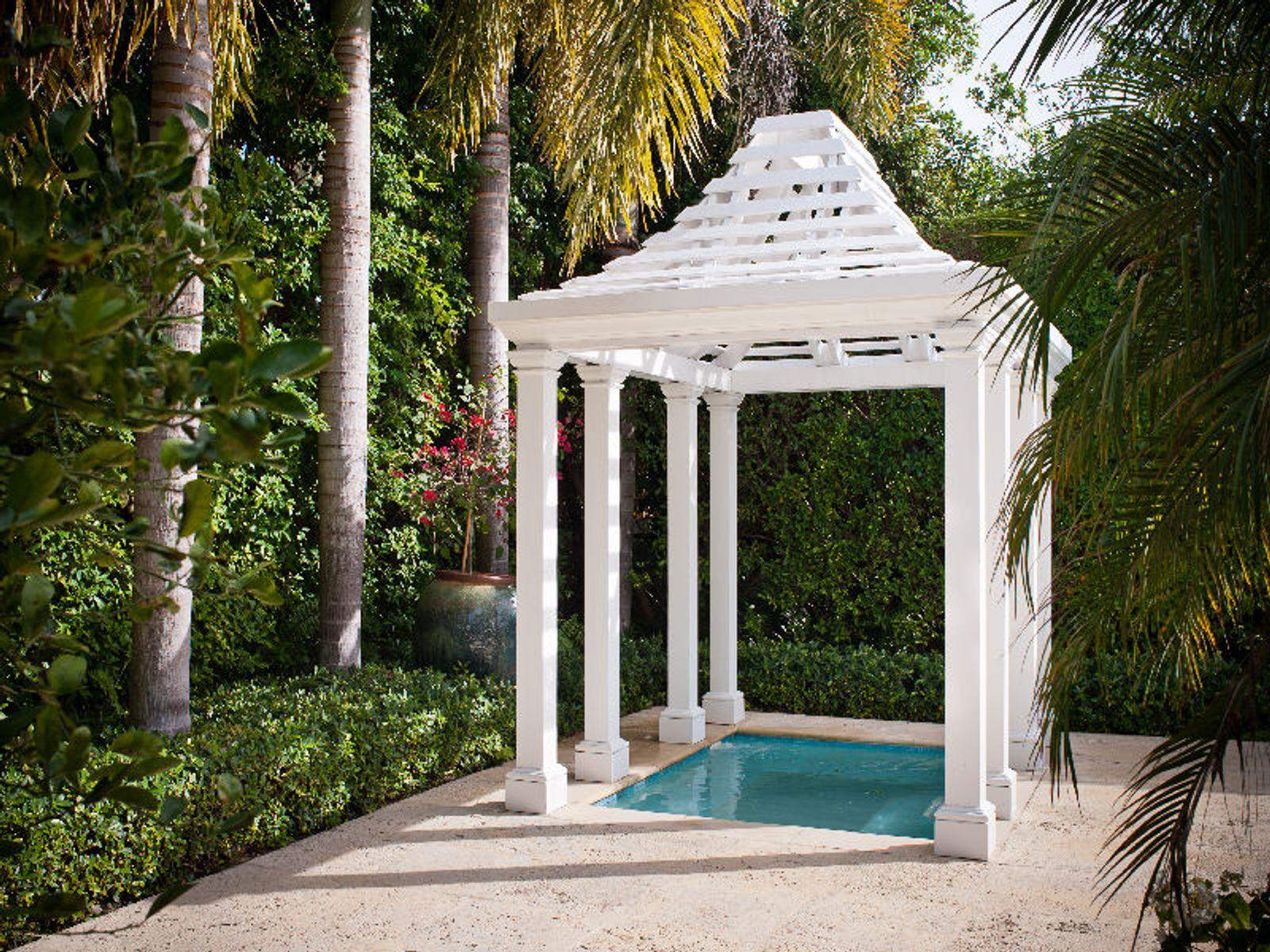 Charming Bahama Lane