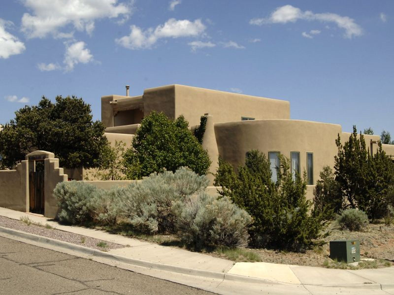 2925  Pueblo Tsankawi, Santa Fe NM Single Family Home - Santa Fe Real Estate