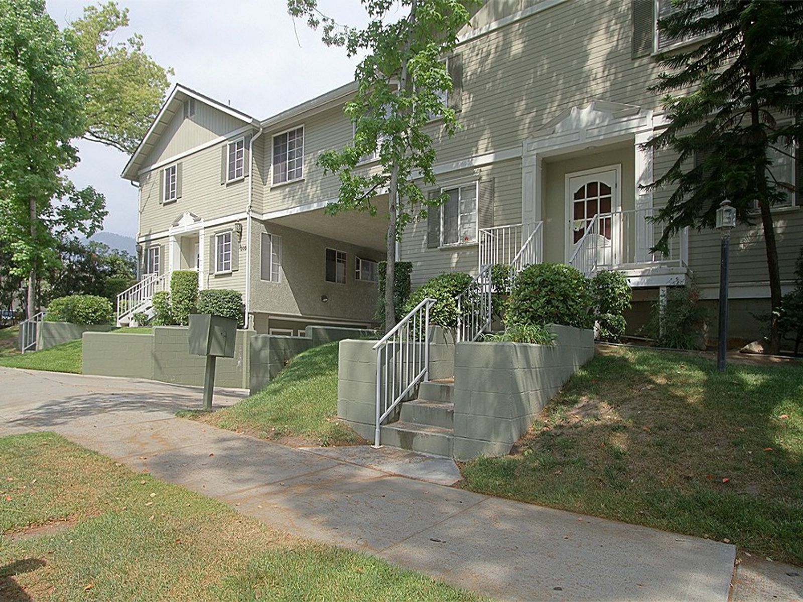 Immaculate Townhome