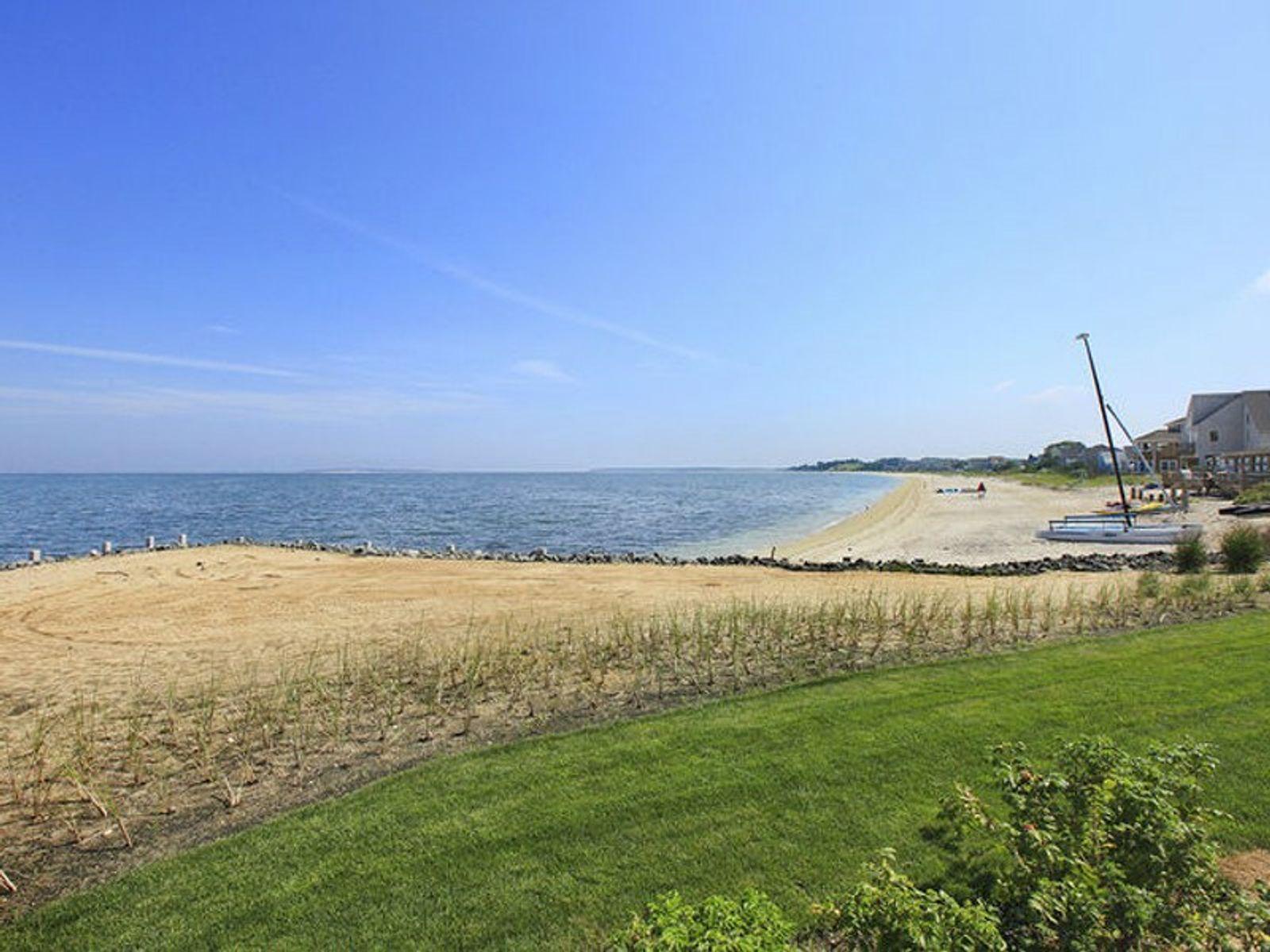 Extraordinary Peninsula Bayfront w/Dock