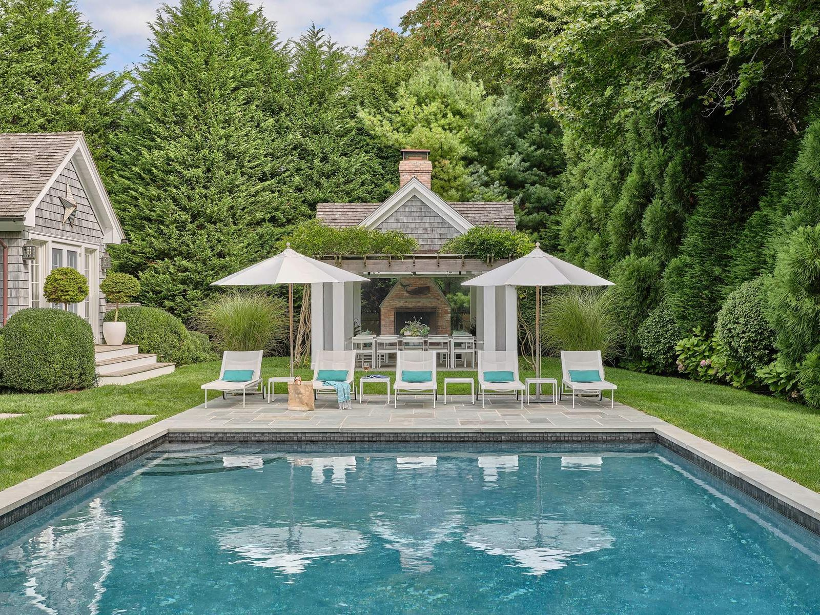 South of the Highway, East Hampton NY Single Family Home - Hamptons Real Estate